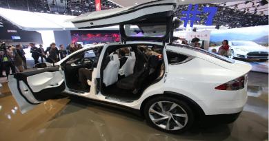 #7 Innovatie – Een kijkje in de nieuwe Tesla SUV